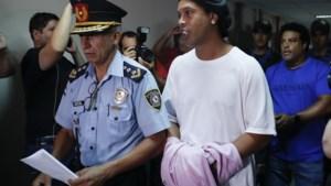 De befaamde glimlach van Ronaldinho vergaat stilaan in de gevangenis