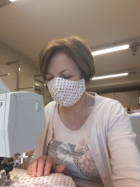 Ferm Zutendaal naait meer dan 300 mondmaskers
