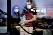 Lieze en Pieter kregen een baby én coronadiagnose in enkele uren tijd