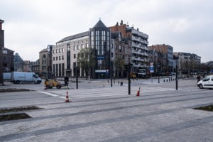 Oversteekplein tussen Molenpoort en Quartier Bleu is klaar