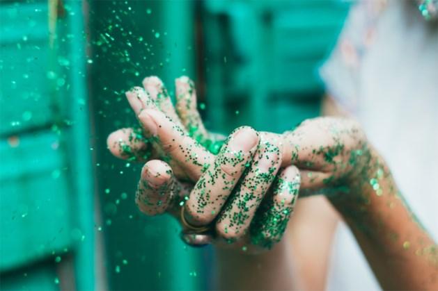 Zo glamoureus zag handen wassen er nog nooit uit