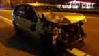 Auto botst achterop een vrachtwagen op E314