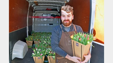 Bloemenwinkels schakelen over op online en thuislevering