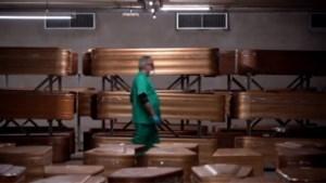 Hallucinante beelden in Spanje: overdekte parkeergarage wordt gebruikt als mortuarium