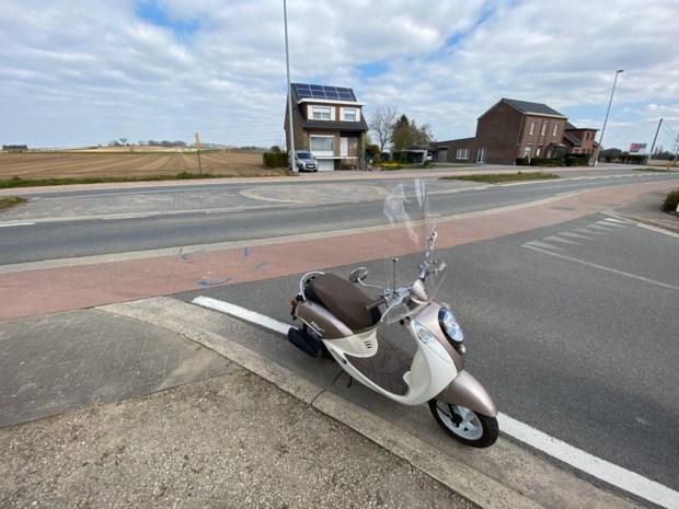 Automobilist rijdt door na aanrijding scooter