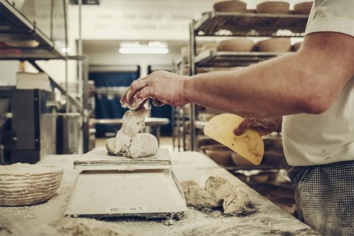 Bakkers en voedingswinkels mogen terug openen op hun vroegere openingsuren