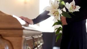 Afscheid nemen in tijden van corona is meer dan ooit een beetje sterven