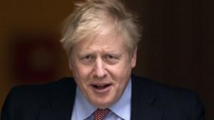 Met corona besmette Britse premier Boris Johnson naar het ziekenhuis