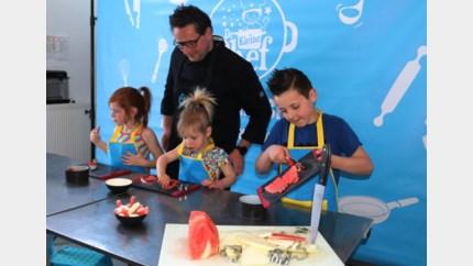 Kinderen volgen kookkamp online in eigen keuken