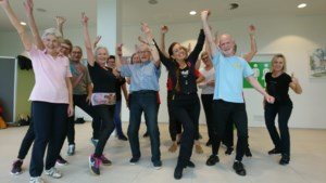 Senioren kunnen thuis zumbadansen met danseres Ietara uit Lanaken