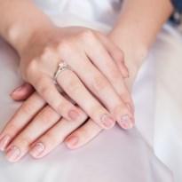 Deze nagellak draag je beter niet als je gaat trouwen