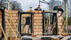 Hete lente kondigt zich aan in de bouw: krachtmeting over het bouwverlof