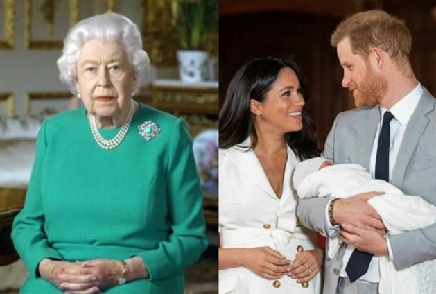 ROYALS. Lachen met de groene outfit van de Queen, geboorteakte van Archie geeft geheimpjes prijs