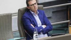 Minister Beke onder vuur over coronacrisis in rusthuizen in het Vlaams Parlement