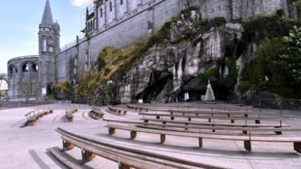 """TV Lourdes op YouTube: """"Als de gelovigen niet naar ons mogen komen, gaan wij naar hen"""""""