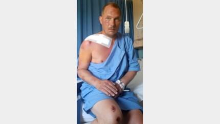 Kim bedankt tieners die hem redden na doodsmak met fiets