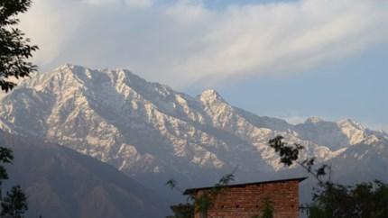 Luchtvervuiling drastisch afgenomen in India: sneeuwtoppen Himalaya tonen zich voor het eerst in 30 jaar