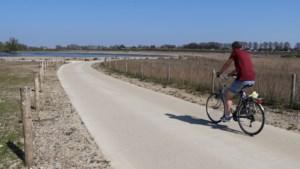 Nieuwe fietspaden langs de Maas geopend, maar nog even wachten op fietsveerpont