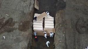 Massagraf in New York bergt 25 lichamen per dag sinds uitbraak corona
