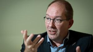 """UHasselt-professor economie: """"Alle bedrijven redden is geen goed idee"""""""