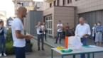 """Tom Boonen schenkt tablets aan ziekenhuis in Mol: """"Nog even volhouden"""""""