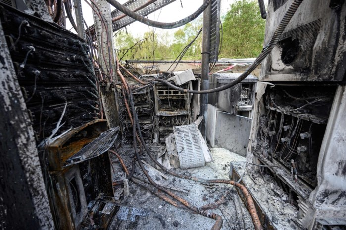 Zendmasten in brand gestoken, uit angst voor corona