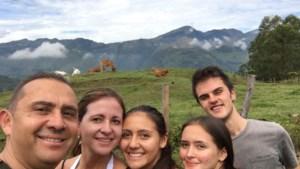 18-jarige Diepenbekenaar na 39 uur reizen terug uit Colombia