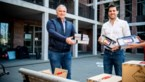 Winterland geeft 35 tablets aan woonzorgcentra Hoge Vijf