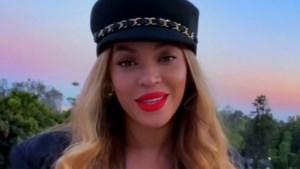 Beyoncé duikt tijdens concert plots op met belangrijke boodschap