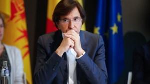 """Di Rupo spreekt van """"zeer voorzichtige"""" versoepeling van de beperkingsmaatregelen"""