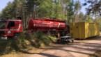 Brandweer plaatst preventief containers met water voor eventuele bosbrand
