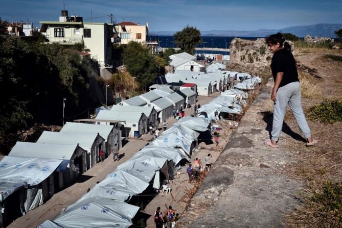 Ravage na brand en onlusten in Grieks migrantenkamp