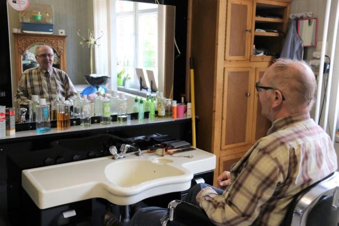 Willy is al 60 jaar kapper, maar nu moet hij stoppen door corona