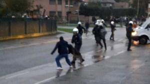 Stenengooiers Meulenberg in beroep vrijgesproken voor verwonden agent tijdens rellen