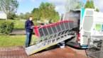 Carrefour Maasland zet 'washtruck' in om winkelkarretjes te desinfecteren