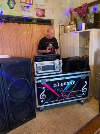DJ Benny draait verzoekplaatjes op Facebook