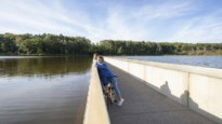FIETSEN. Met de fiets in Bokrijk rond het domein en door het water