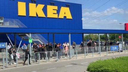 Heropening winkels: lange wachtrijen, maar mensen volgen de maatregelen