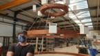 Tom Herck hangt luster van één ton voor Sint-Trudo Ziekenhuis op