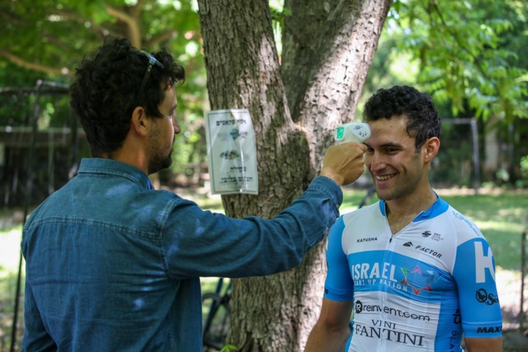 Met Israel Start-Up Nation trekt eerste wielerploeg al opnieuw op trainingsstage sinds uitbraak van coronavirus