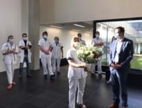 Minister Beke zet Heppense verpleegster in de bloemen