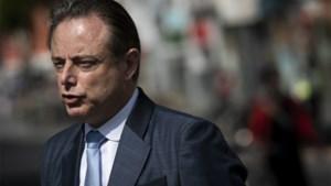 De Wever gelooft niet meer in nieuwe regering, maar ook niet in verkiezingen