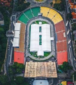 Sportstadions doen dienst als veldhospitaal en testcentrum