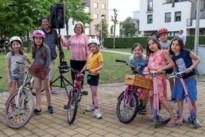 Kinderen steunen al fietsend de zorgverleners
