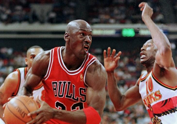 Iconische schoenen van basketlegende Michael Jordan leveren recordbedrag op