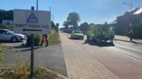 Wielertoerist gewond bij botsing aan Aldi in Riemst