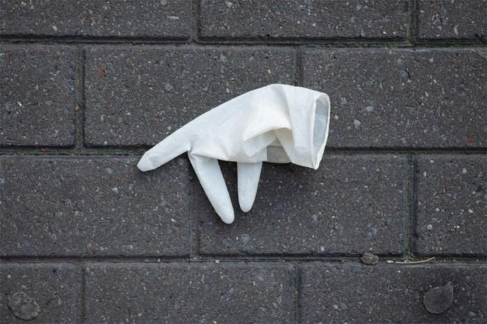 Waarom wegwerphandschoenen nutteloos zijn als je gaat winkelen