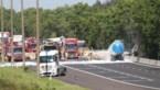 Trucker laat leven in crash op E34 in Mol, snelweg tot diep in nacht afgesloten