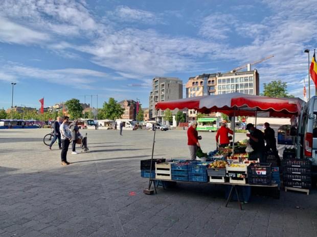 """Ook weer markt in Hasselt: """"Alleen jammer dat we nog geen koffieke kunnen drinken"""""""