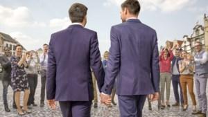 'Blind getrouwd' zoekt (gescheiden) 45-plussers